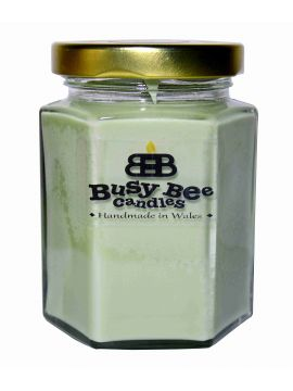 Busy Bee Candles Classic svíčka MEDIUM Zachumlaná v dece